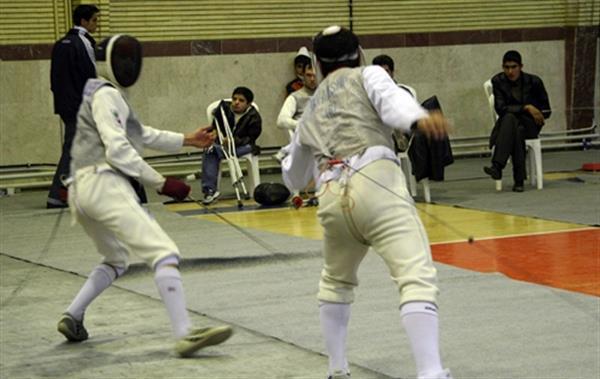 بانوان شمشیرباز همدانی بر سکوی سوم قهرمانی کشور