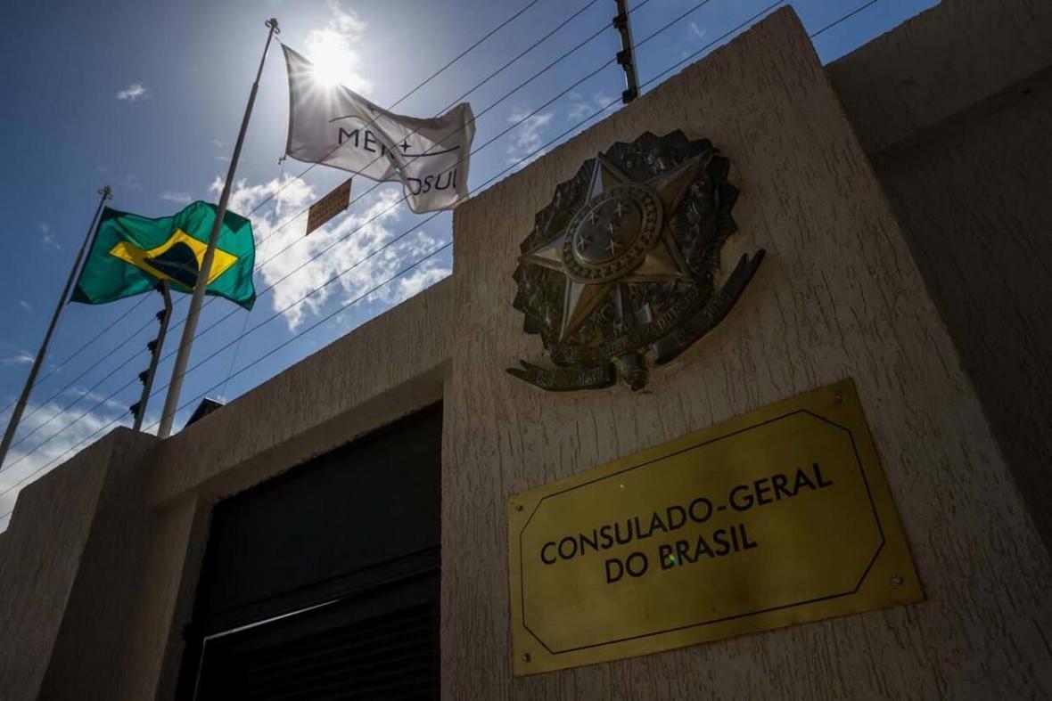 خبرنگاران برزیل شماری از دیپلمات هایش را از ونزوئلا خارج کرد