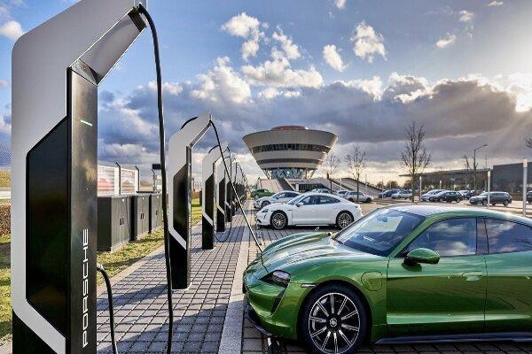پارک شارژ خودروهای برقی در آلمان افتتاح شد