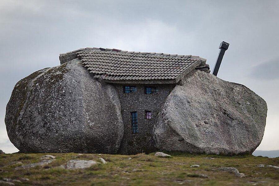 معرفی خانه های خاص : خانه سنگی در پرتغال!