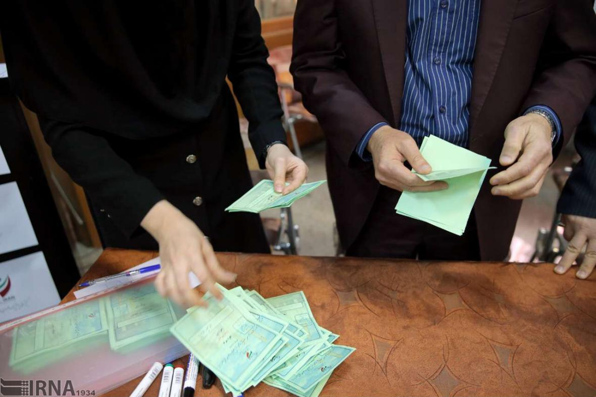 خبرنگاران شمارش آرا انتخابات در خراسان رضوی شروع شد
