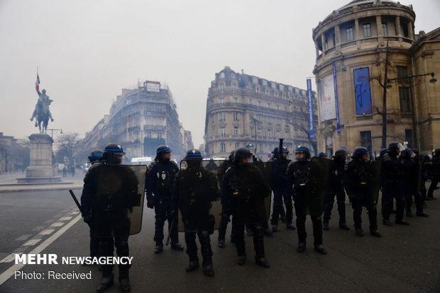 استقرار 100 هزار نیروی پلیس در خیابانهای فرانسه