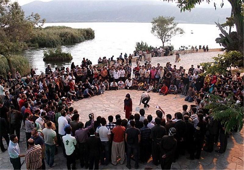 اجرای نمایش های خیابانی ایتالیا، اسپانیا، آذربایجان و یونان جشنواره مریوان