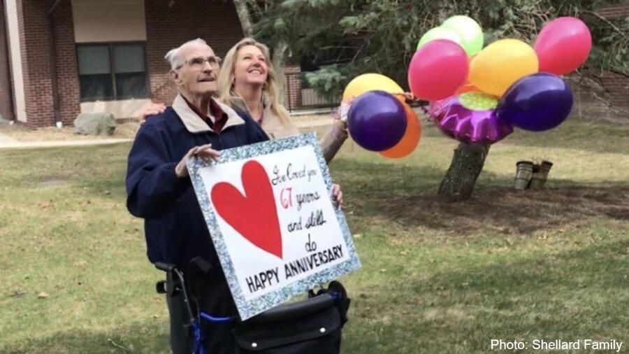 سالگرد ازدواج پشت درهای بسته ، کرونا بین 67 سال عشق فاصله انداخت
