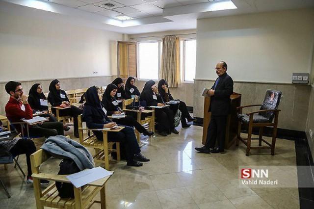 دانشگاه آزاد واحد میانه بر اساس سوابق تحصیلی دانشجو می پذیرد