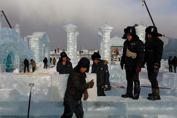 نمایشگاه قلعه های یخی در چین (تصاویر)