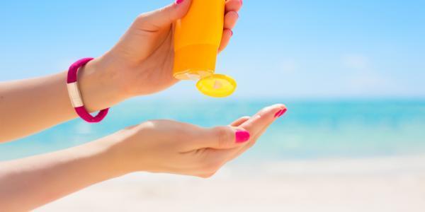 انتخاب بهترین کرم ضد آفتاب و نحوه استفاده از آن