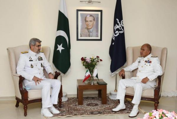خبرنگاران دیدارهیات نظامی ایران در رزمایش امن-21 با فرمانده نیروی دریایی پاکستان
