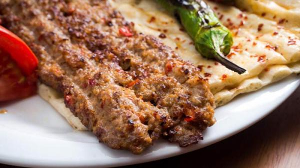 طرز تهیه کباب کوبیده مجلسی و نکاتی طلایی برای پختن آن