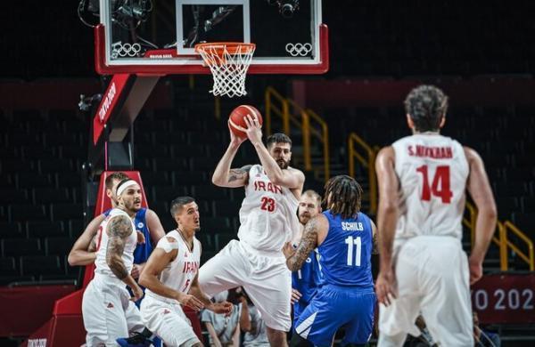 تابش نیا: هاشمی گزینه مناسبی برای تیم ملی بسکتبال است، باید امیدوار بود